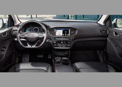Hyundai-IONIQ-Electric-interieur-2