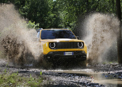 Jeep-Renegade-2019-1024-22-Front